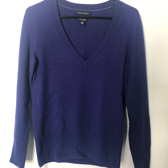 BR 100% cashmere sweater